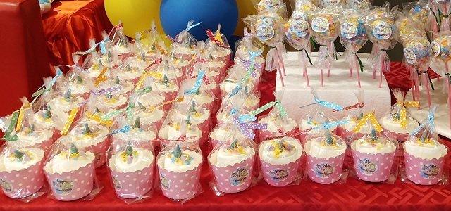 birthday fruity cupcakes