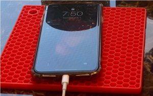 anti-slip trivets for mobile