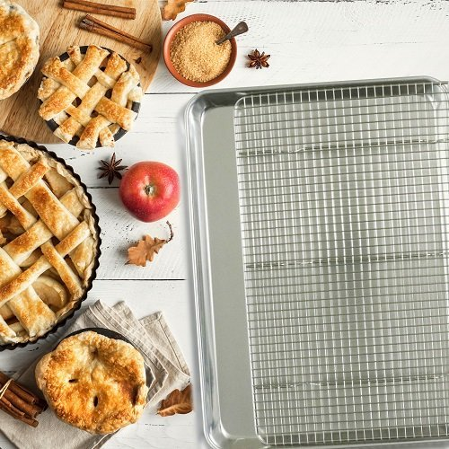 National Heart Month_Pan and Cooling Rack