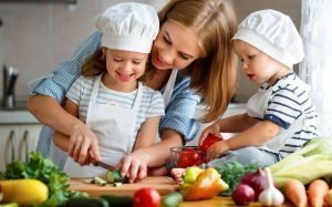 Cooking baking_Mother and children cooking