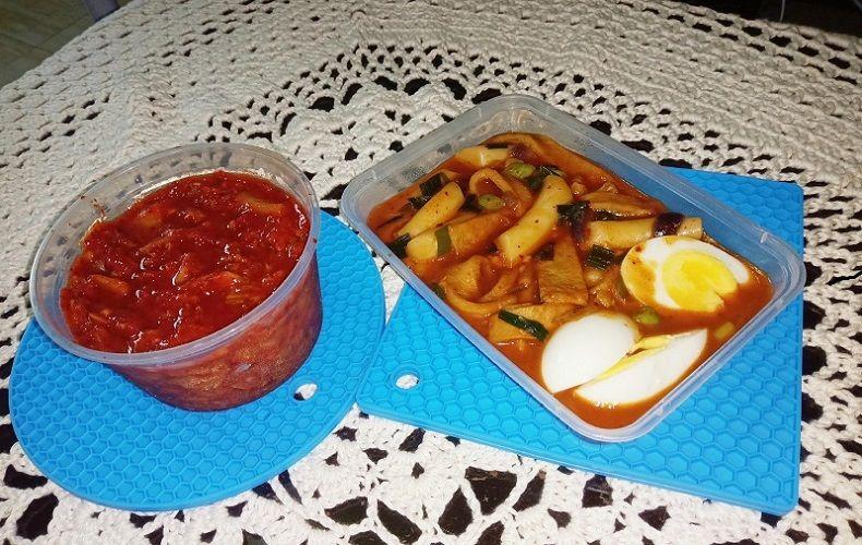 Korean food kimchi and tteokbokki