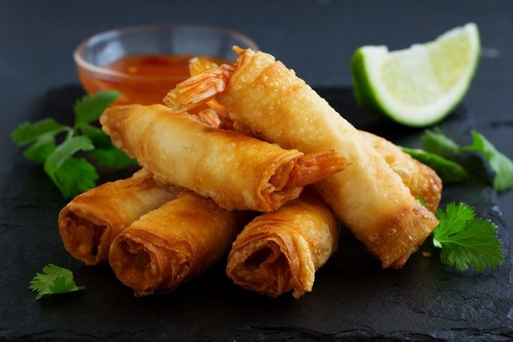 Vegan recipe Spring rolls with sweet chili sauce