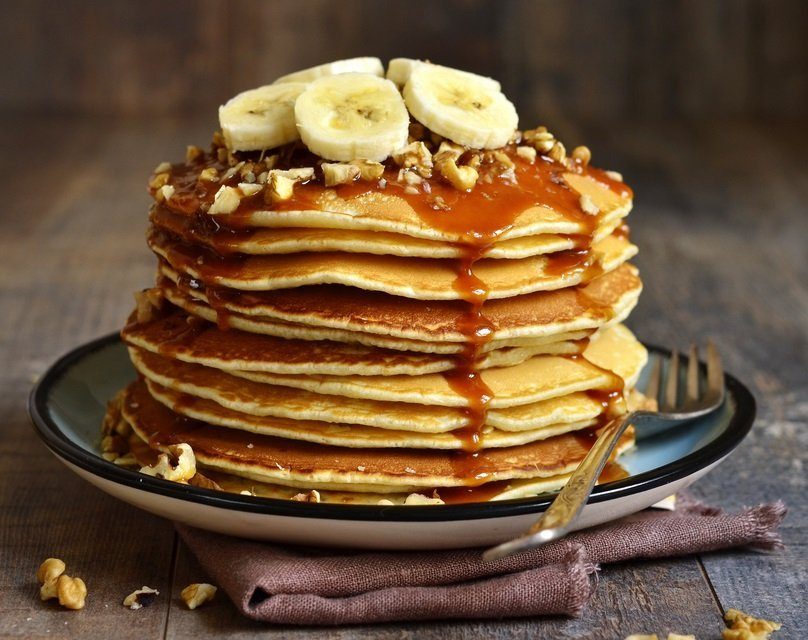 Breakfast Recipes Pancakes with Bananas