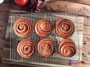 cinnamon rolls on cooling racks2 (1)