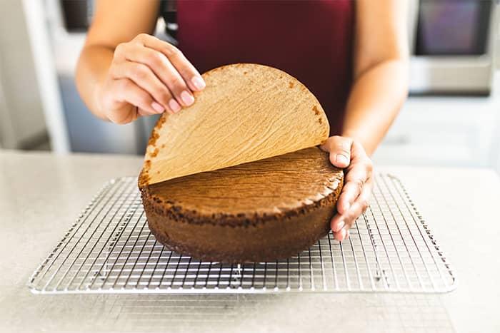 making an easy chocolate cake recipe